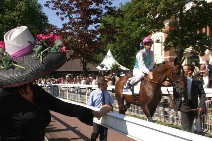 Les courses de chevaux à l'hippodrome de Deauville