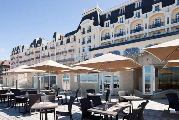 Grand Hôtel de Cabourg, les pieds dans l'eau