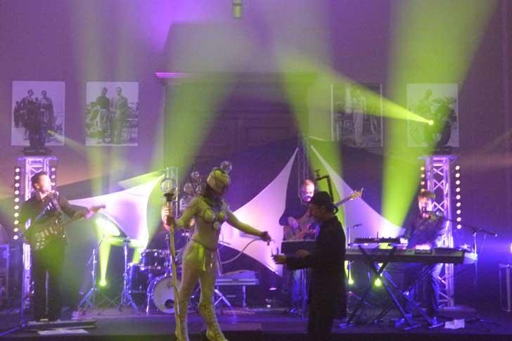 Soirée à Deauville dans une villa avec groupe pop rock et animation champagne