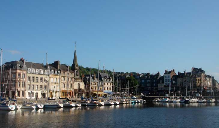 A la fois pittoresque et inspirante, Honfleur se prête à tous vos événements et séminaires en Normandie