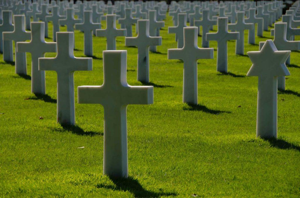 Le cimetière américain de Colleville sur Mer, domine Omaha Beach