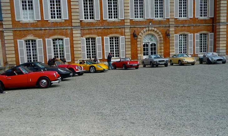 D'anciennes voitures pour découvrir la Normandie, du Mont Saint Michel à Etretat, en passant par Deauville