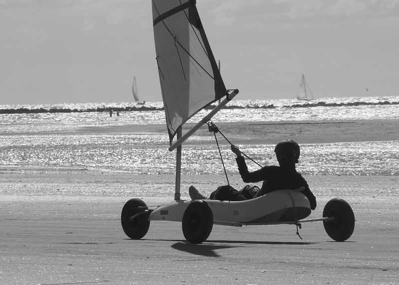 Char à voile sur la plage de Deauville