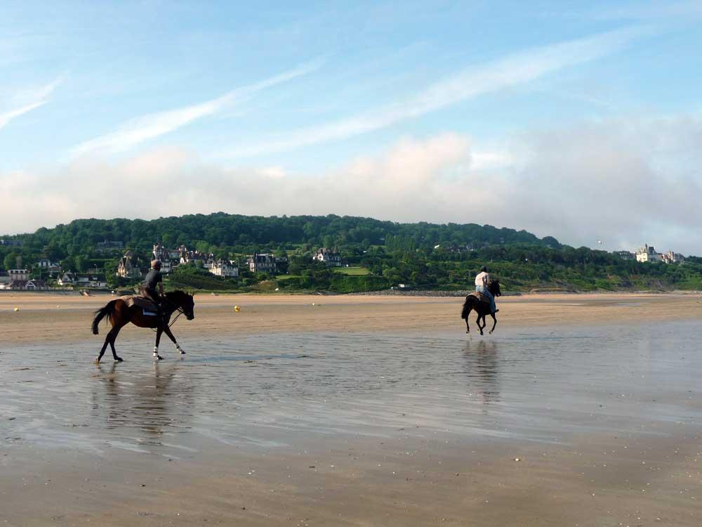 Activité équitation sur la plage de Deauville