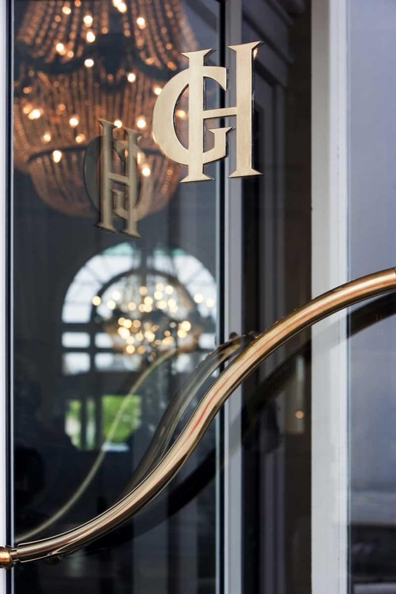 L'entrée du Grand Hôtel de Cabourg
