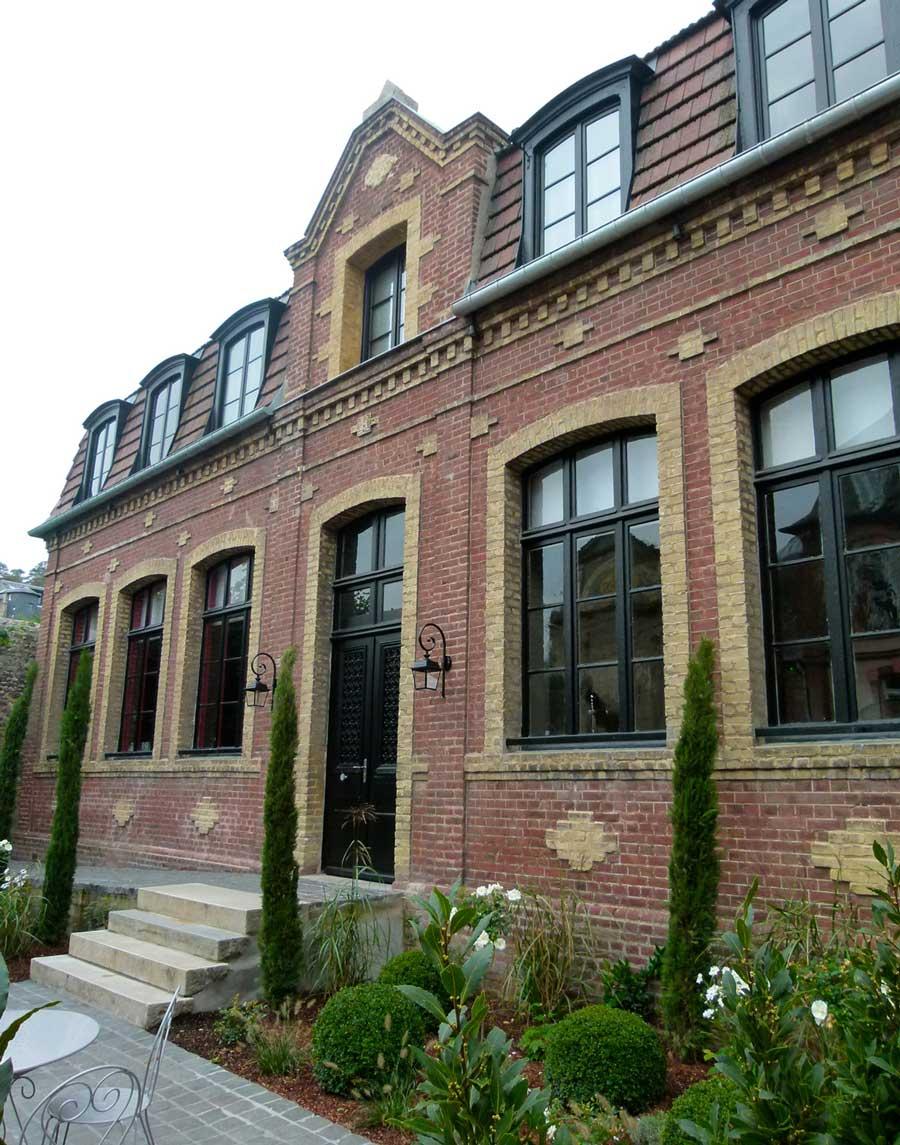Le batiments des salles de réunion de l'hôtel Les Maisons de Léa