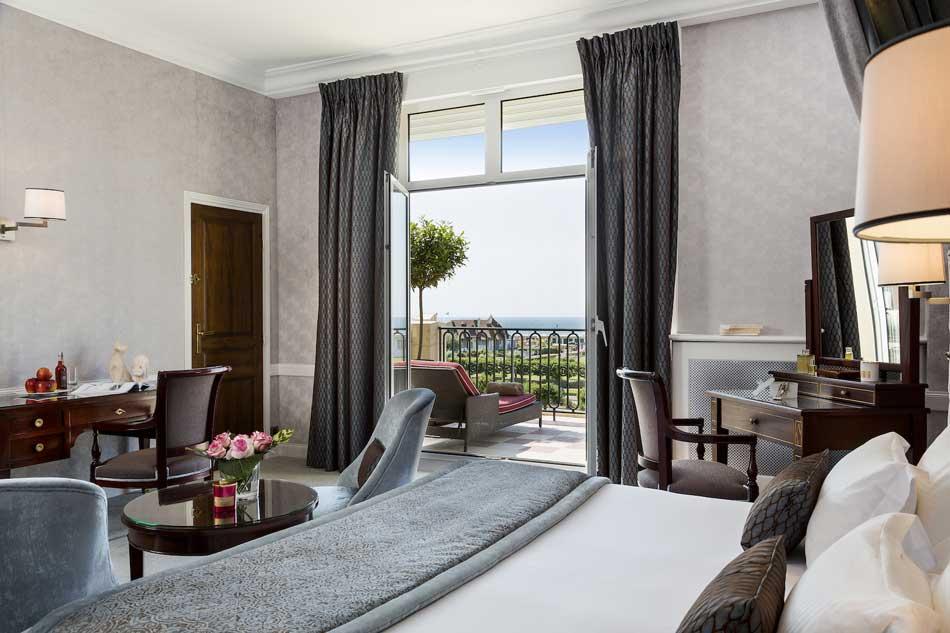 Une chambre de l'hôtel Royal Barrière Deauville