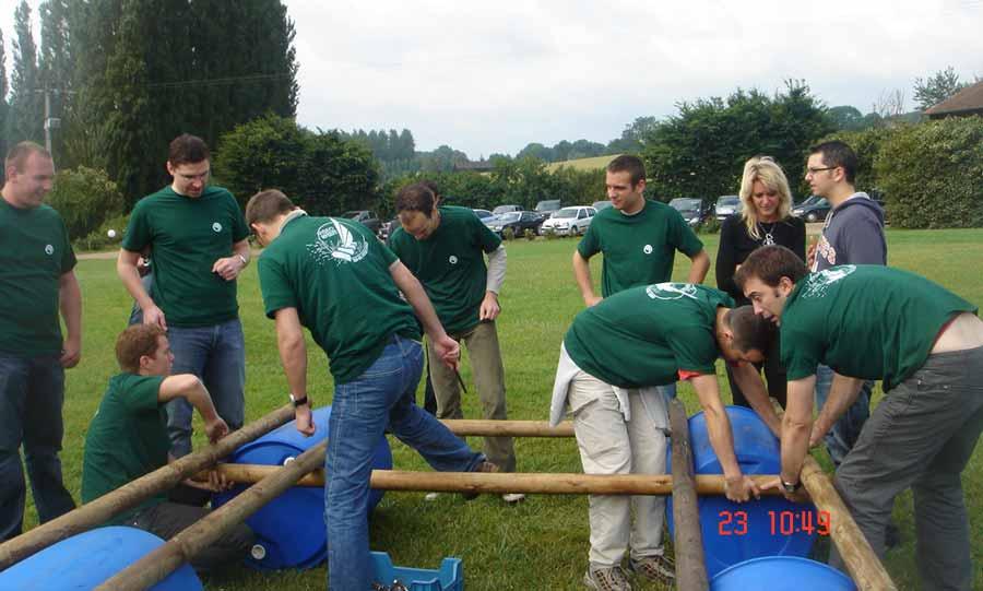 Team learning en Normandie - construction de radeaux