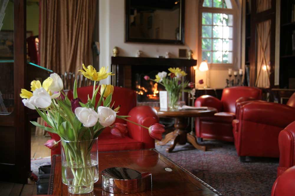 Bibliotheque de l'hôtel-restaurant Le Domaine Saint Clair à Étretat
