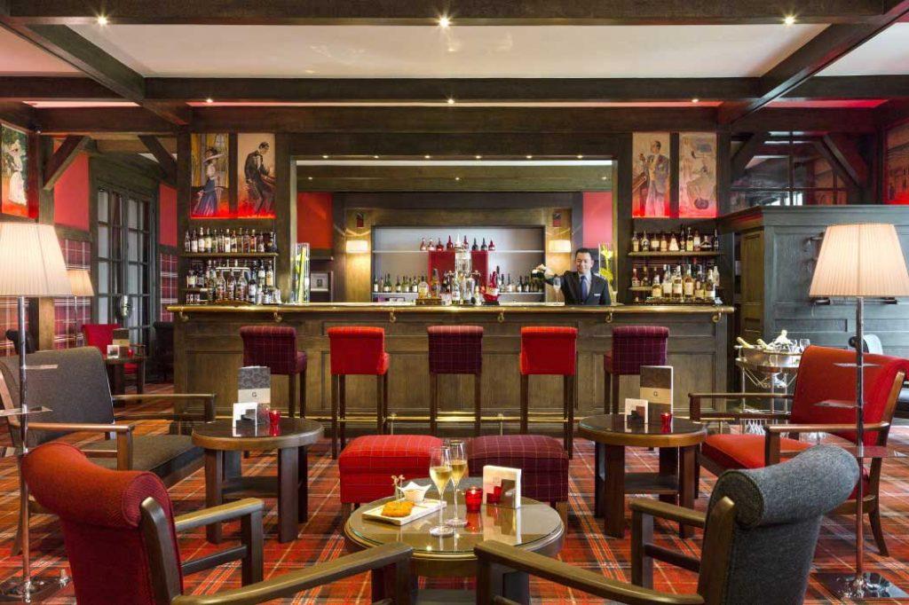 Hôtel du Golf Barrière de Deauville - Champagne servi au bar Le Green