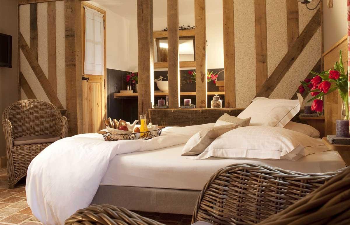 Une chambre à l'Auberge de la Source, l'art de vivre en Normandie