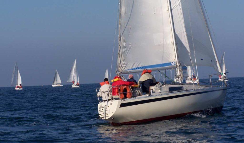 Régate en voilier pour votre séminaire en Normandie