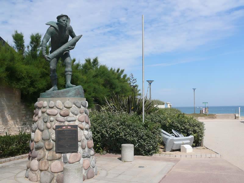 Cimetière militaire et mémorial – Hermanville-sur-Mer