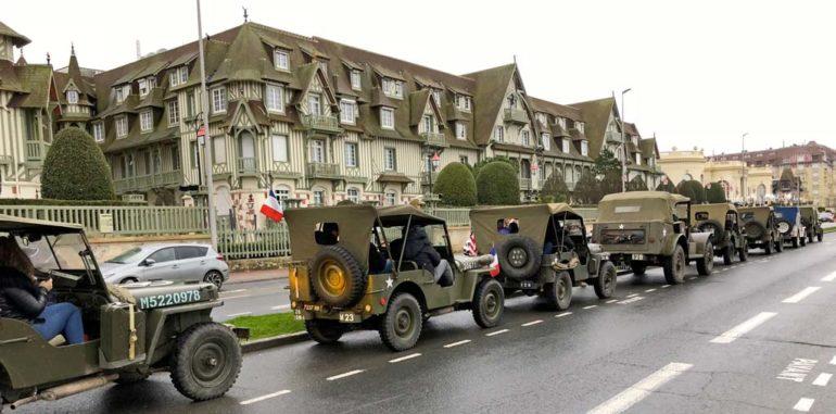 Jeeps pour la visite des souterrain de la Seconde Guerre mondiale, près de Deauville
