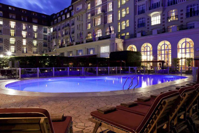 Piscine Hôtel Le Royal Deauville