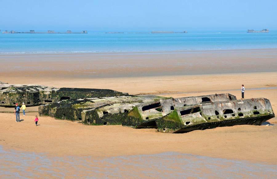 Port artificiel d'Arromanches Gold Beach une des cinq Plages du Débarquement