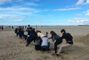 La cohèsion d'équipe avec les jeux de plage