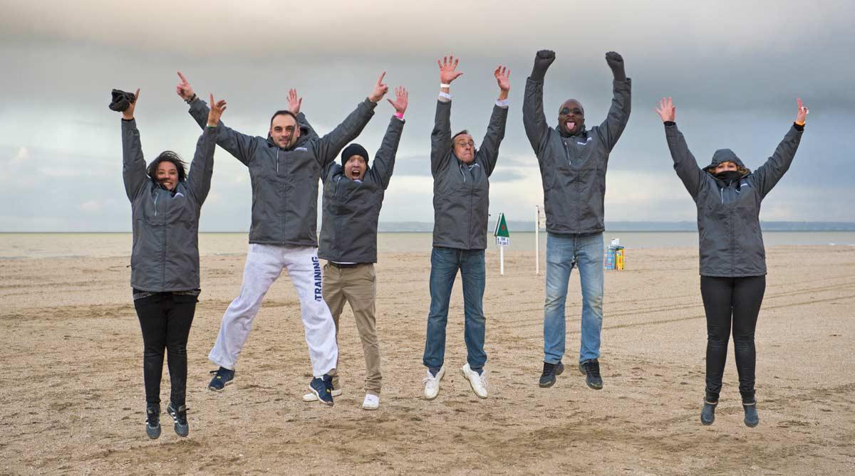 Un team building jeux de plage, cohésion, rire, et bonne humeur