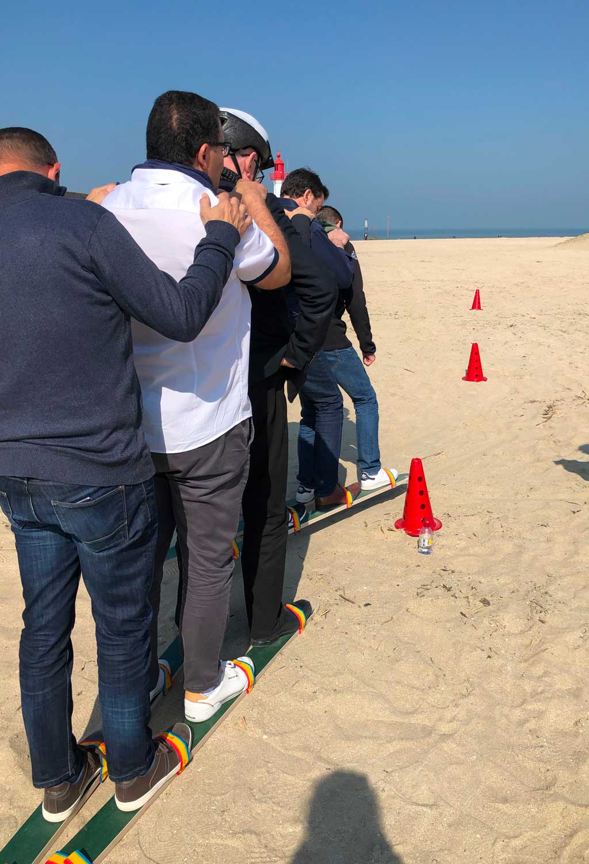 Ski des sables - jeu de plage pour team building
