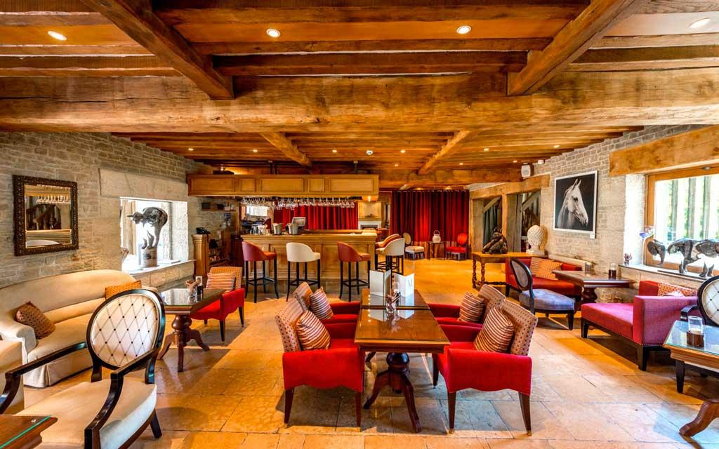 Le lounge bar des Manoirs de Tourgéville