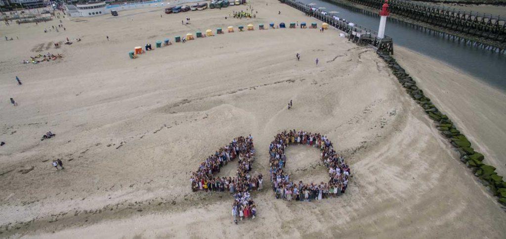 400 collaborateurs et 40 ans sur la plage de Trouville