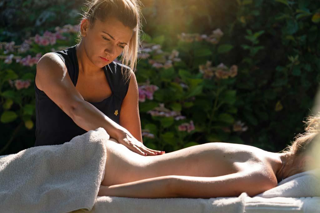 Patricia Verbecq et son équipe, proposent des soins du visage et des massages à La Ferme Saint Siméon